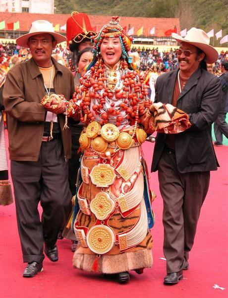 Народный костюм тибета