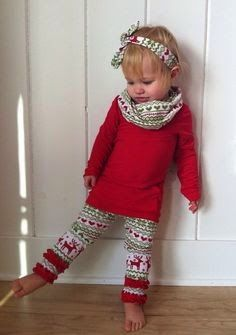Adorable Christmas outfit for girls and it'll be easy to make