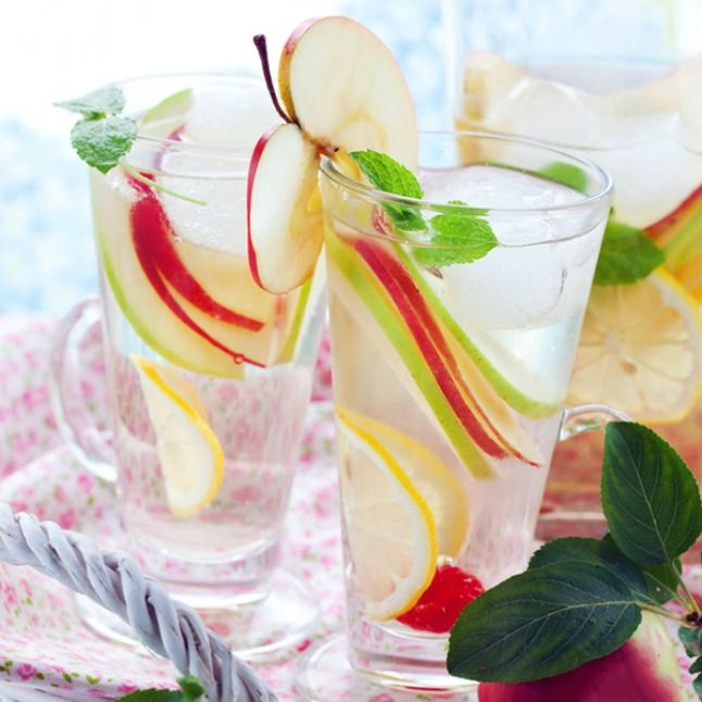 10 Fruit Infused Waters   tomatoboots.co