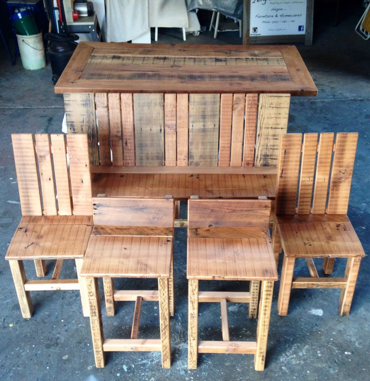 Custom Built - Dining Setting incl. 2 Chairs, 2  Bar Stools matching Bench Seat and Table Top.