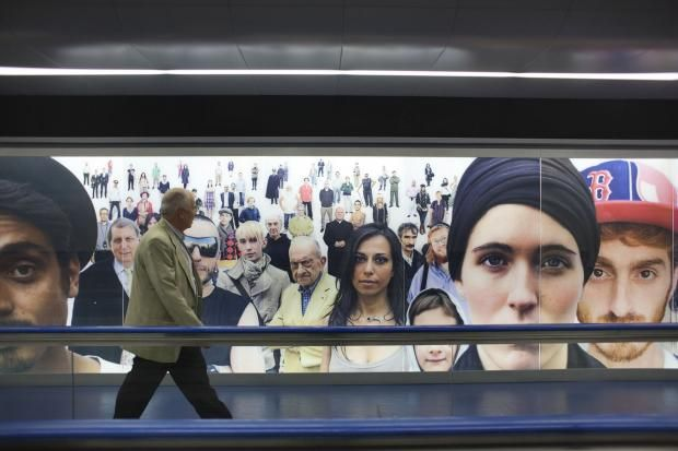 Inaugura la seconda uscita della metro Toledo a Largo Montecalvario. | © Machi di Pace