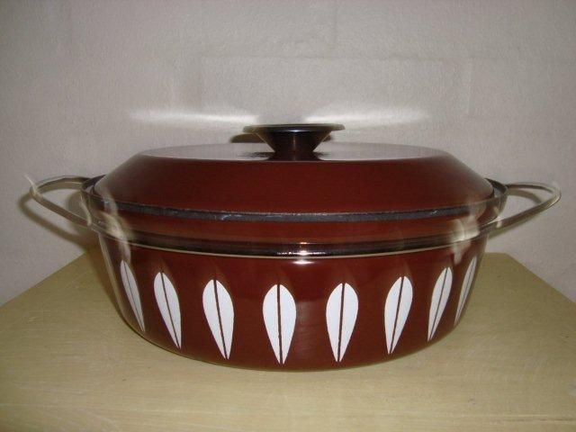 Cathrineholm Lotus retro enamel cooking pot. #Cathrineholm #Lotus #Prytz #Kittelsen #kitchenware #enamel #retro #emalje #gryde. SOLGT.