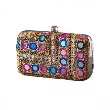 Lacrom Store || ghingi mingi goi, accessories, vintage, clutch  Rajastan fabric clutch. Limited Edition. Given the uniqueness of the piece, may vary the gradient of the fabric used for the production