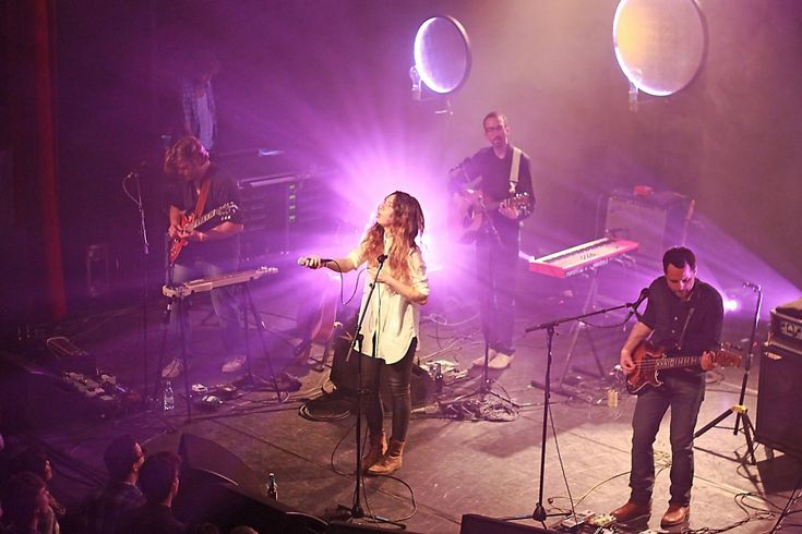 Intergalactic Lovers, 5 april 2014, Arenberg.  Very good, warm at the venue