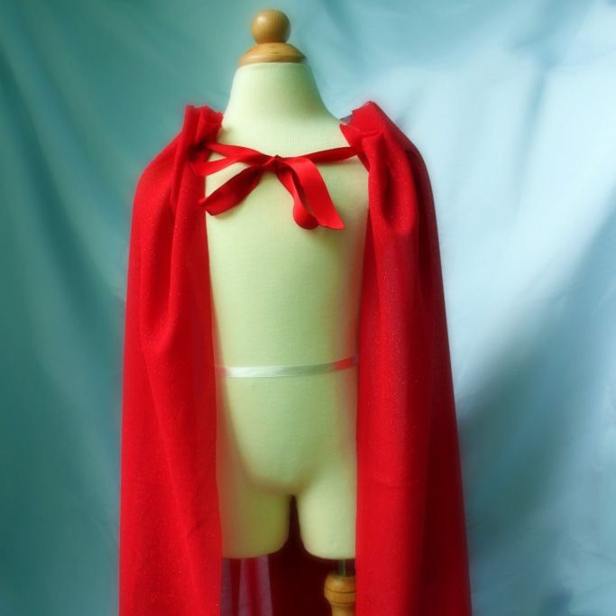 Tutorial by Little Pink Monster Here's the easy, NO SEW, superhero cape I made for them: All you need are a few basic supplies from your local fabric store: 1 & 1/2 yards of red knit fabric, (k...