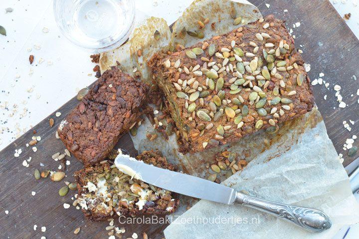 Maak supersnel dit gezonde, voedzame brood met baking soda. Omdat je geen gist gebruikt kan het meteen de oven in. Een recept van Yvette van Boven.