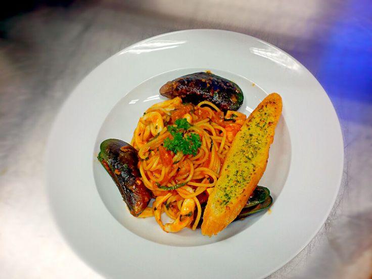 Spaghetti with Seafood Tomato Sauce