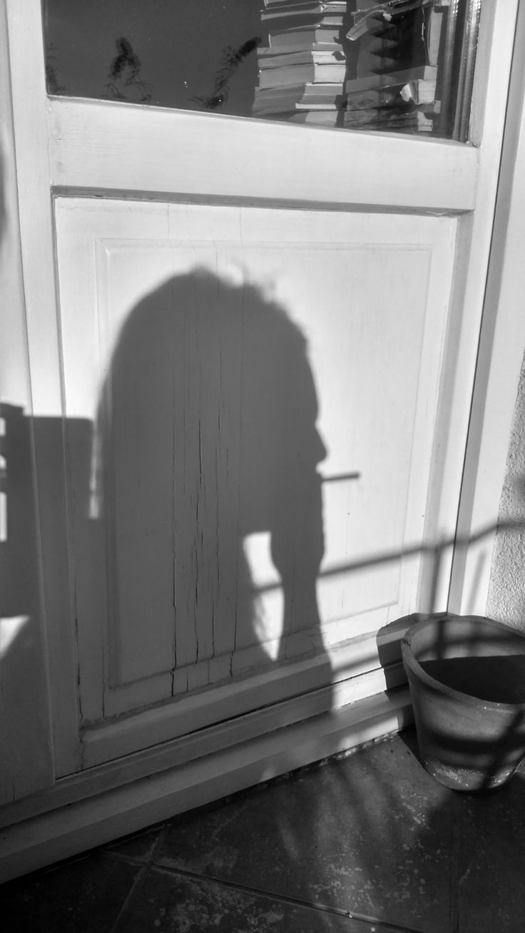 shadow theater- man with a cigarette,  2015?
