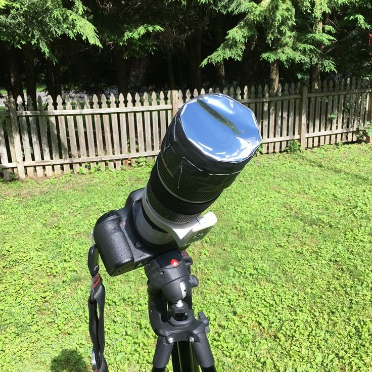 """How to make your own solar filter in 15 minutes to safely make photos of the upcoming total solar eclipse. If you put Bonnie Tyler's """"Total Eclipse of the Heart"""" on repeat, you should be done before fully plays three times. #diy #photography #eclipse #solar #totaleclipse"""