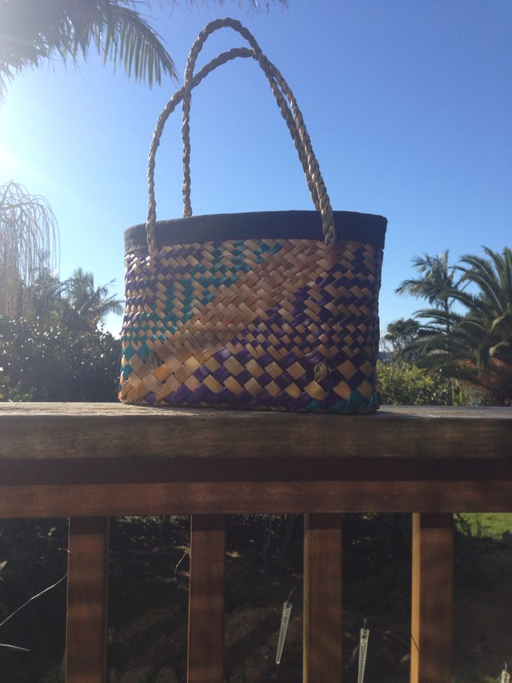 Lined Kete