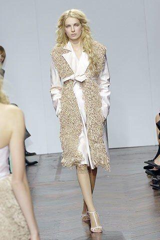 Giles Deacon Spring 2008 Ready-to-Wear Collection Photos - Vogue