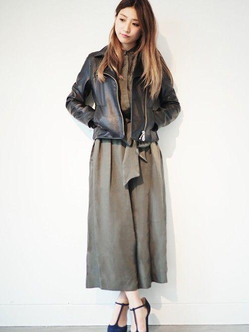 大人っぽく着こなすならカーキ。秋冬ファッションアイテム ガウンチョオールインワンを集めました!