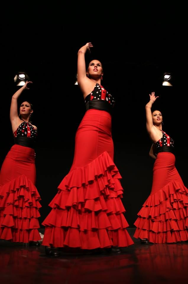 bata dance The female flamenco dancer's form elongated by the bata de cola is one of the most emblematic images of flamenco dance to celebrate the addition of our new technique class for the bata de cola (now available for all defb members) we thought it might be fun to explore the history of the.