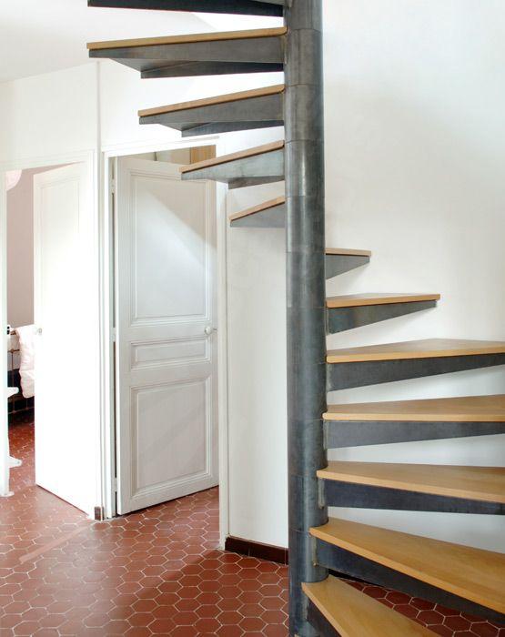 Escalier Hélicoïdal sur plan Carré : SPIR'DÉCO® Carré de la gamme Initiale d'ESCALIERS DÉCORS®
