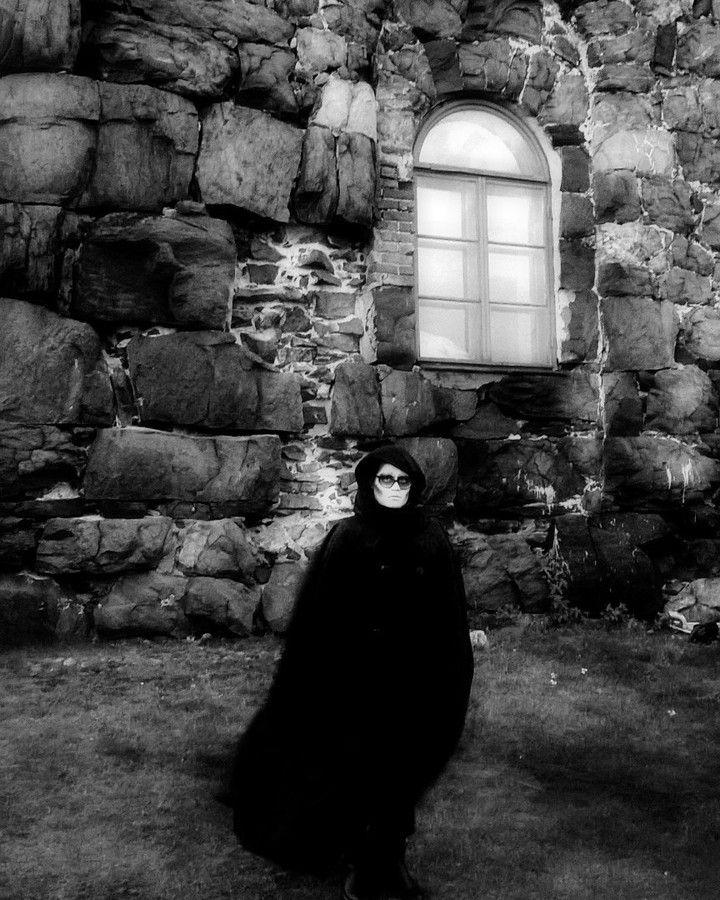 #darkart. #Kekri celebration at #ViaporinKekri2017. #ViaporinKekri. in #suonenlinna #fortressisland. #halloween #Halloween2017. #blackandwhitephotography #blackandwhite #photography entering to #polarnight. #gothictravels. #gothic. #castle 🏰 kinda wall buildings in #UNESCO #heritage. #Hellsinki. #Helsinki.