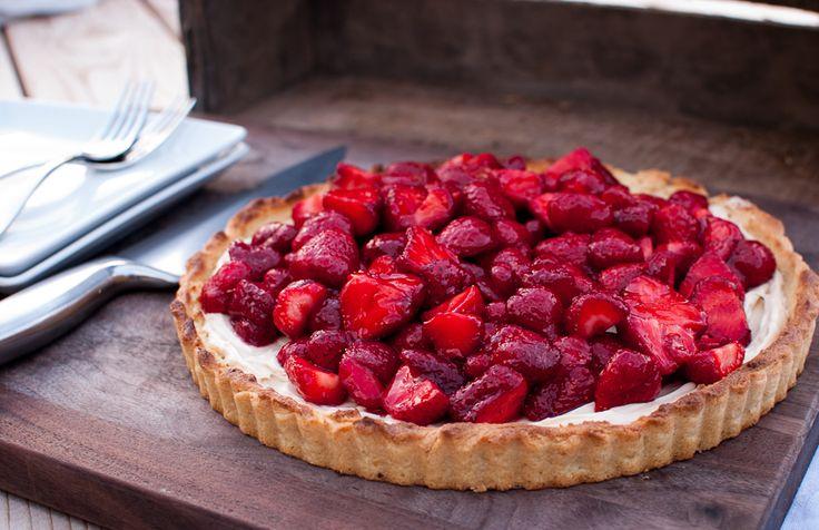strawberry mascarpone tart from ThymeofTaste.com