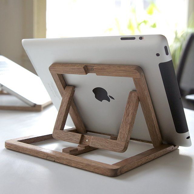 Perfect for viewing an iPad both vertically & horizontally.  Looks great, too!