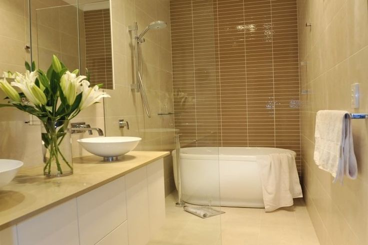 40 best curbless shower ideas images on pinterest for Beautiful en suite bathrooms