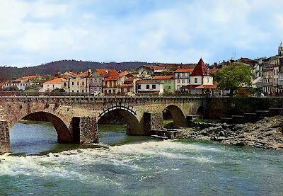 Barcelos - Ponte sobre o Rio Cávado e Vista Parcial de Barcelinhos