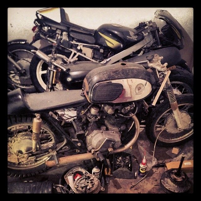 #1969 #CB450 #BLACKBOMBER #CAFERACER #PATINA #VINTAGE #RATROD #BOBBER #CHOPPER #HONDA #TRIUMPH #NORTON #BSA #MOTOGUZZI #Padgram