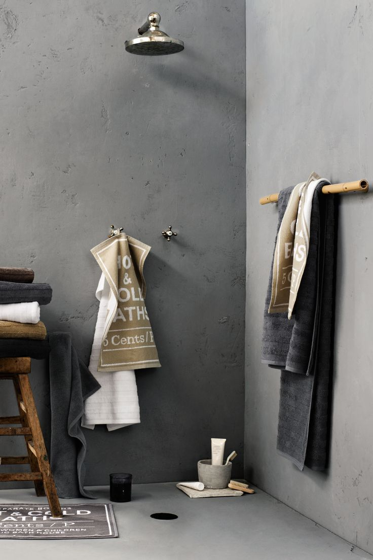 badkamer - styling - textiel - beton - grijs - douche - shower - grey - concrete