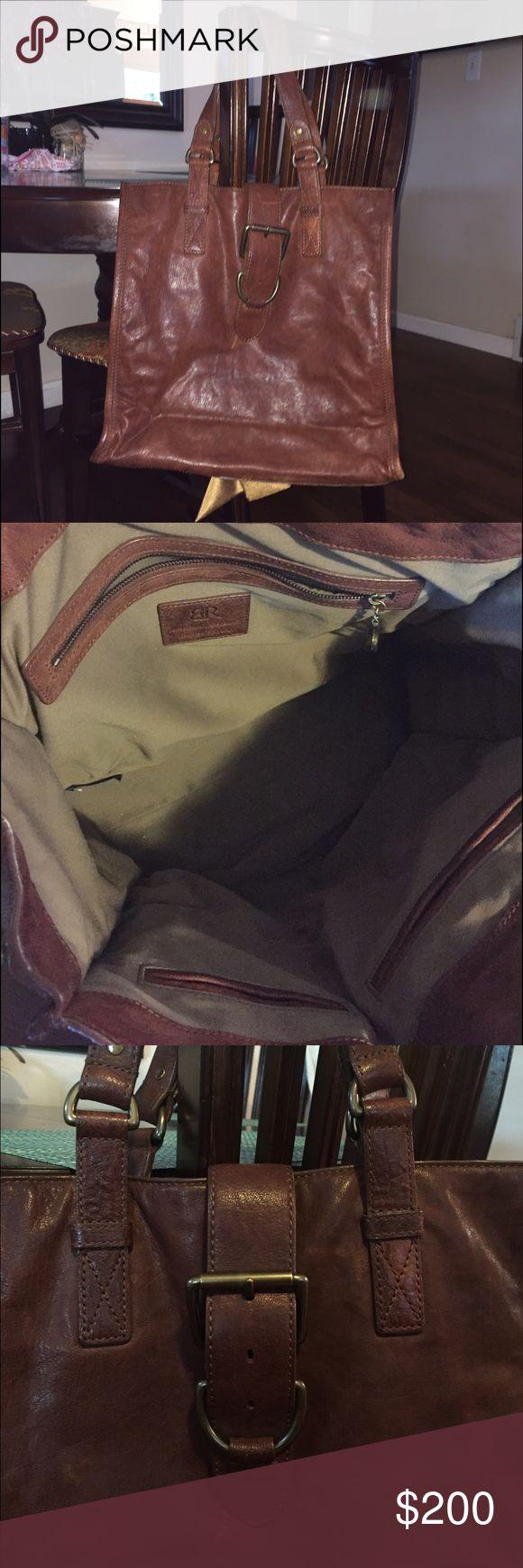 Banana Republic Leather bag Large, beautiful brown leather Banana Republic tote bag. Superb condition! 🌟 Banana Republic Bags Totes