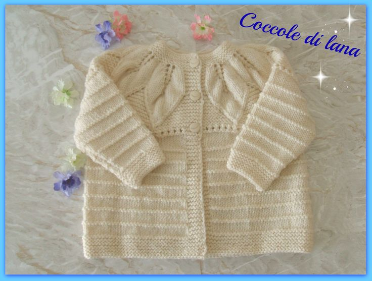 """Handmade white sweater for baby girls, age 2-3 years, in 100% wool, hand-knitted. Search for it in the Store """"Coccole di lana"""" on www.misshobby.com."""