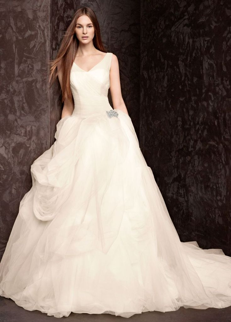 45 best Wedding Dresses images on Pinterest | Wedding frocks, Bridal ...