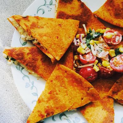 Quesadillas au poulet et salsa de maïs ~ Papotons, popotons, papillons!