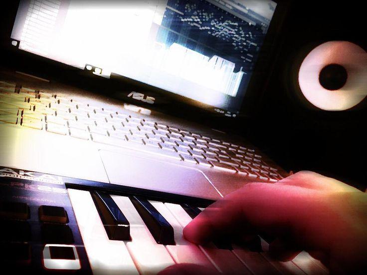 New photo online Komponieren mit Leidenschaft  #flstudio #musicproducer #atwork #fruityloops #flstudio12 #musik #musikproduktion #classicalmusic #music #musik #makingof #makingofmusic #musically #musicphotography #musicismylife #musiccomposer #composer #composing #imageline #refx #refxnexus #nexus #music #komponieren #musicproduction #gemafrei #potsdam #gemafreiemusik #babelsberg Hope you like it