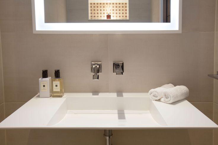 Minimal cloakroom basin | JHR Interiors
