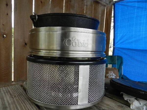 Portable Grill Enclosures : You can use your cast iron dutch oven inside the cobb