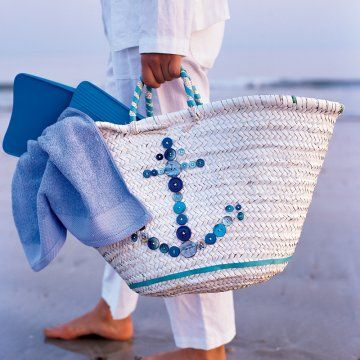 This would be so easy to make...just pick out a cute canvas beach tote and add the buttons yourself!