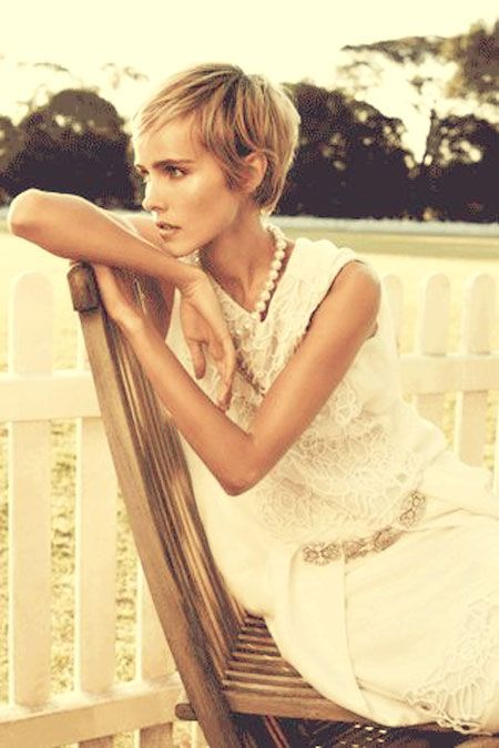 Jessica Hart and Isabel Lucas look lovely in Vogue Australia