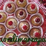 Mini cupcakes latte e ciliegie
