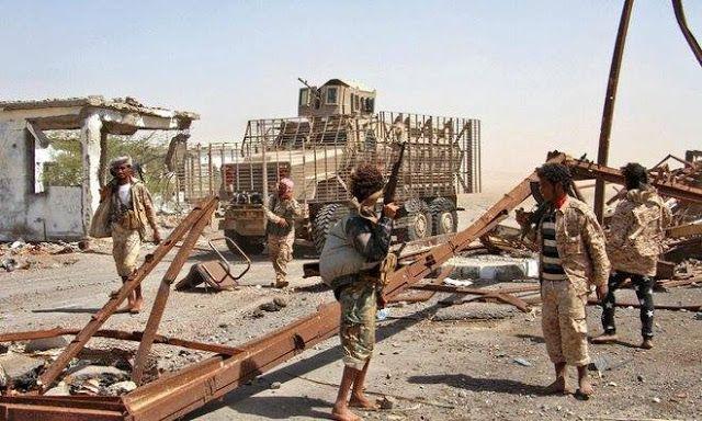 "Perbaiki Yaman Saudi siapkan 130 triliun  Pasukan pro-pemerintah melancarkanserangan di kota pesisir Mokha untuk usir Houthi dari wilayah tersebut (9/2/2017. Arab News)  Arab Saudi mengalokasikan dana sebesar USD 10 miliar (sekitar Rp 130 triliun) untuk membantu rekonstruksi wilayah-wilayah di Yaman yang telah dibebaskan dari tangan Houthi. ""(Dana ini) untuk rekonstruksi wilayah yang telah dibebaskan (dari Houthi) termasuk USD 2 miliar ke kas bank agar menopang mata uang riyal Yaman"" ujar…"