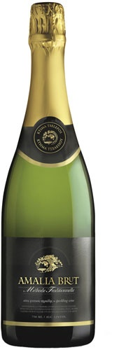 Amalia Brut  Origin - Type: Naturally sparkling wine made with méthode champenoise - a second fermentation in the bottle  Grape Variety: 100% Moschofilero - Our price, DKK 174 (incl. moms)