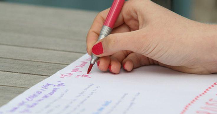 Estrategias y actividades de escritura. Escribir puede ser un proceso intimidante para muchos estudiantes. Cuando los estudiantes se enfrentan a una hoja de papel en blanco, los procesos de pensamiento de muchos van al bloqueo. Puedes ayudar a los estudiantes a aprender a disfrutar el proceso de escritura y ganar confianza en su habilidad para escribir, ofreciéndoles una variedad de ...