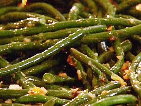 Glazed Long Beans Recipe. It was very good. Slightly sweetened (from honey) yet a little spice (from Korean red pepper flakes). Decrease stock to 1/4 cup. Tasty. aw