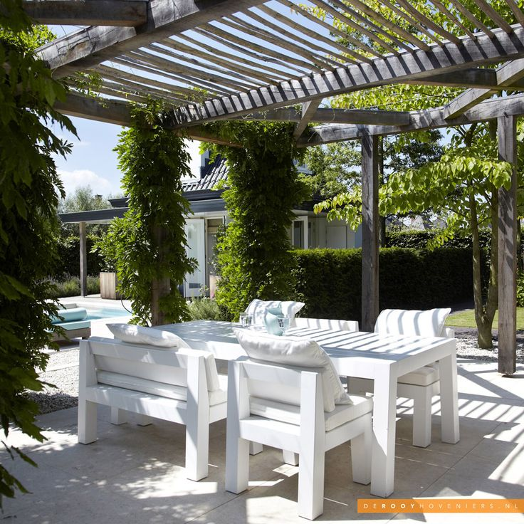 Tuininspiratie De Rooy Hoveniers lounge tuin pergola terras