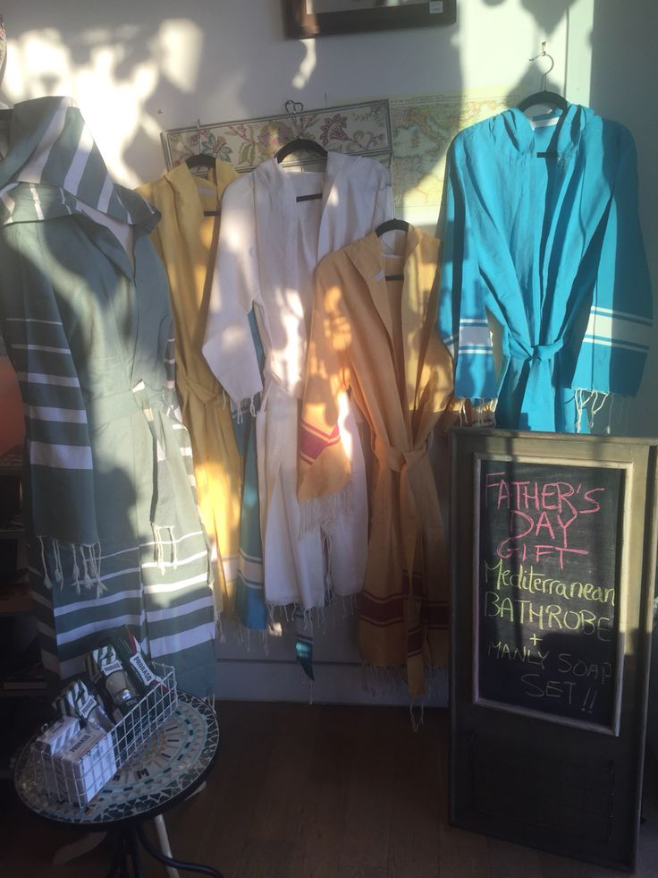 ☀️A ray of sunshine for dad's bath routine  NEW Mediterranean bathrobes with hoodies, 100% cotton lightweight ultra-absorbent, made in Tunisia (they're also very soft!). Come shop the perfect gift for #dad at the store: 572 S Coast Hwy, Laguna Beach CA