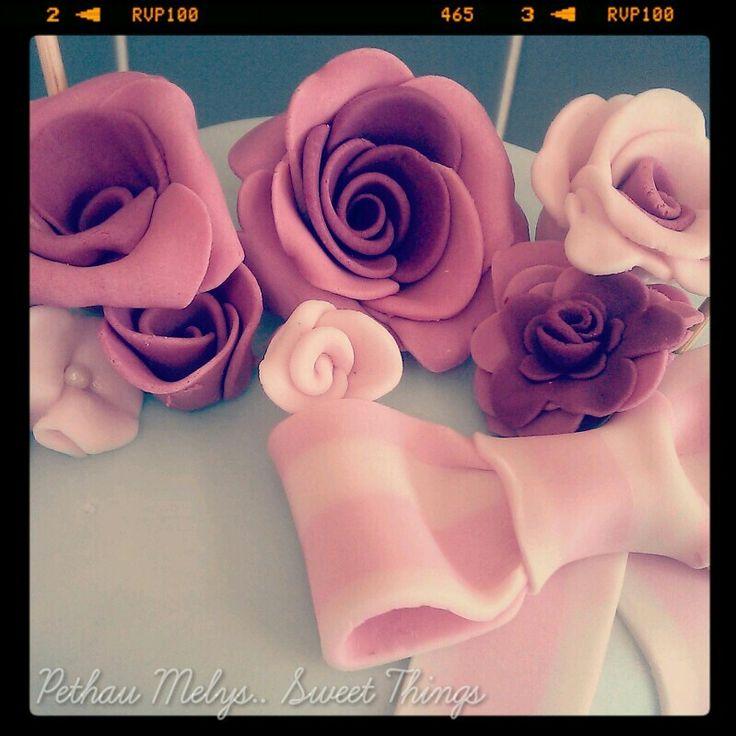 Gorgeous fondant roses