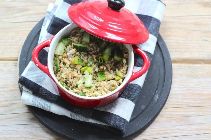 Op zoek naar een lekker recept voor een zilvervliesrijstsalade? Maak dan eens dit recept met onder andere bosui en pesto. Lekker als lunch of bijgerecht.