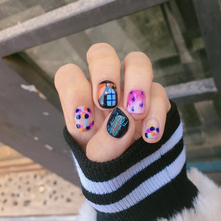 "1,630 отметок «Нравится», 7 комментариев — 센스홍 Nail artist ""SENSEHONG"" (@sense_hong_) в Instagram: «#20170106 Don't let it fool U #nails#nailart#gelnails#notd»"