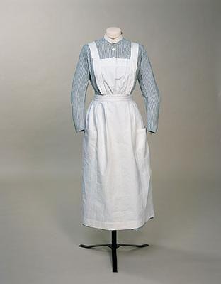 Nurses Apron, 1918, British, made of cotton
