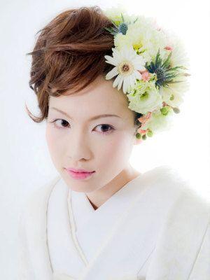 和装でもやっぱり生花❤色打掛・白無垢に似合うショートカットの一覧を集めました。
