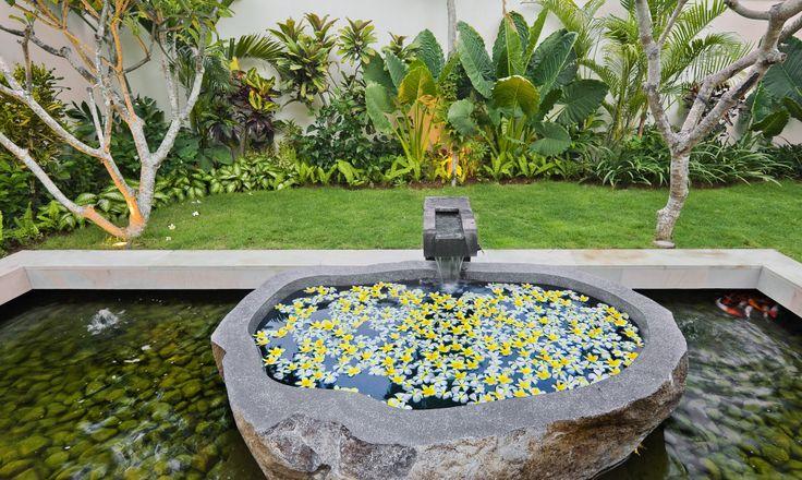 http://prestigebalivillas.com/bali_villas/bendega_nui/23/live_availability/  Outdoor area Bendega Nui