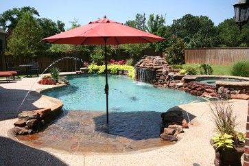 Beach entry pool with Umbrella. LOVE!