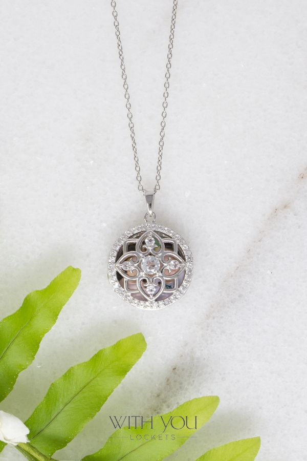 Details about  /Real Diamond Silver Locket Sterling Silver Oval 20 x 17mm All Chain Lengths