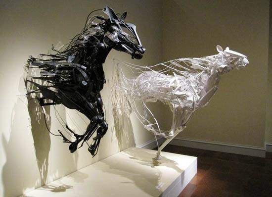 amazing sculptures made from garbage: Sculpture, Sayaka Kajita, The Artists, Plastic Spoons, Hors Art, Kitchens Utensils, Kajita Ganz, Sayaka All, Sayakaganz